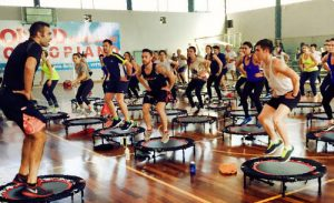 Quali sono i benefici dell'allenamento sul trampolino?